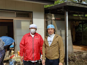 とんとんキッズプロジェクトの活動でTHAPより台風19号によって被災さてた子どもたちのための募金活動に2名、福島の各所訪問とボランティア作業に2名が参加