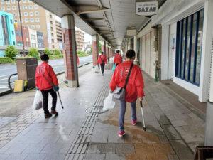 おもてなし活動は商店街の清掃