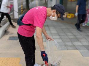 市内商店街の清掃